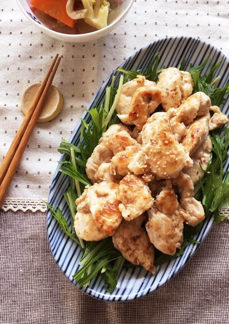 減塩鶏むね肉の鰹節焼き