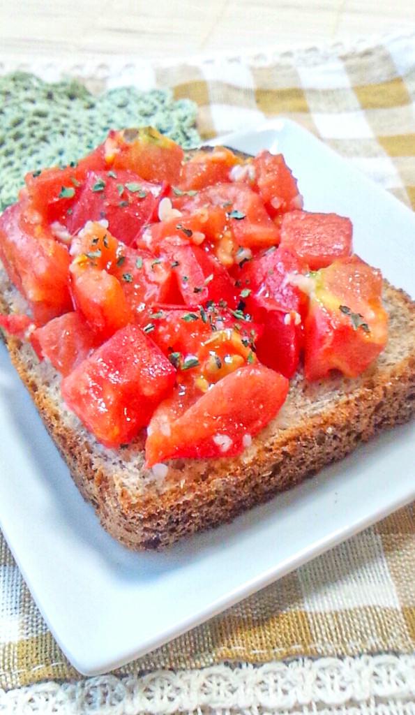 トマト塩麹トースト